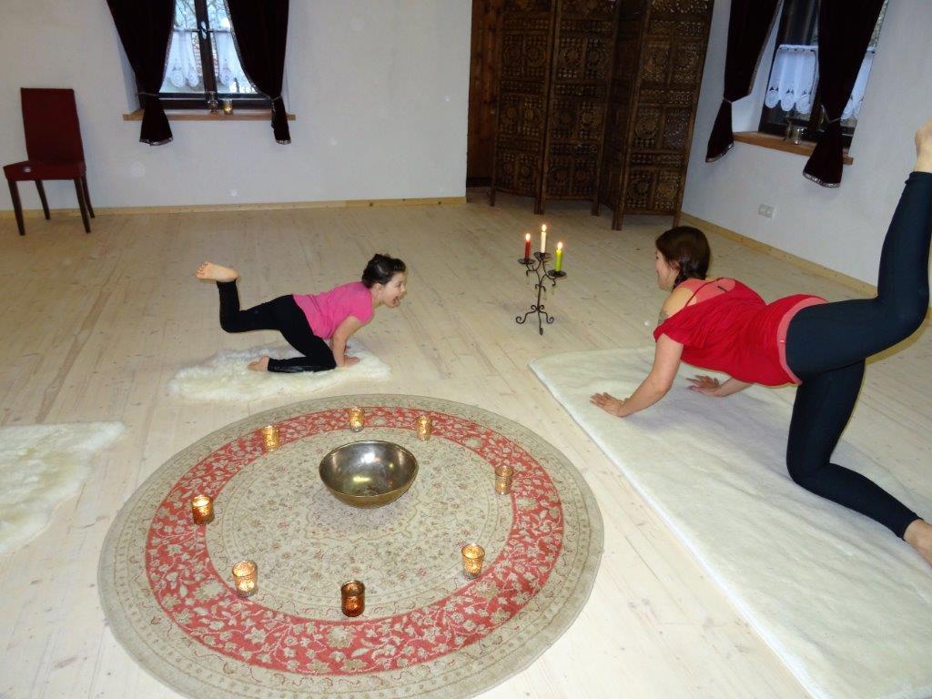 kultur und so gesund haus sighartstein danijela leitner yoga beling margit kultur 5202. Black Bedroom Furniture Sets. Home Design Ideas